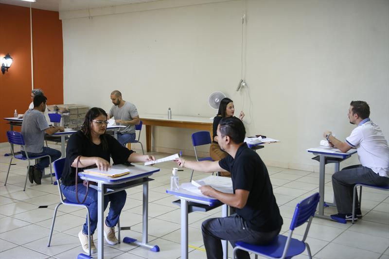 A Secretaria de Administração e de Gestão de Pessoal preparou uma estrutura inédita para a contratação de enfermeiros pelo processo seletivo simplificado (PSS). Curitiba, 02/04/2020. Foto: Luiz Costa/ SMCS.