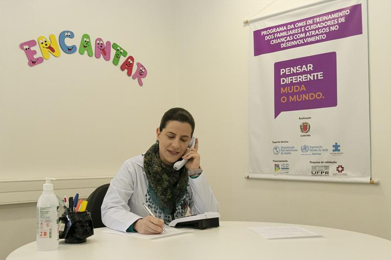 Secretaria Municipal da Saúde Lança o TeleTea - serviço de teleatendimento para famílias e cuidadores de pessoas com autismo. Curitiba. 16/04/2020. Foto: Ricardo Marajó/SMCS