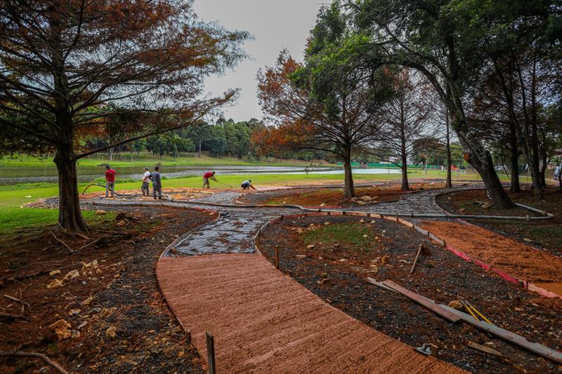 Obras de revitalização do Parque São Lourenço com a construção do Jardim de Esculturas João Turin - Curitiba, 22/05/2020 - Foto: Daniel Castellano / SMCS