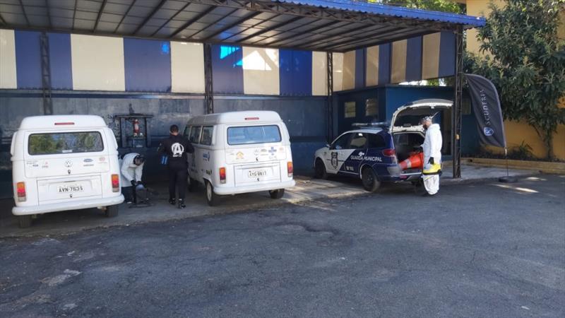 Sanitização de veículos da Prefeitura de Curitiba. Foto: Divulgação