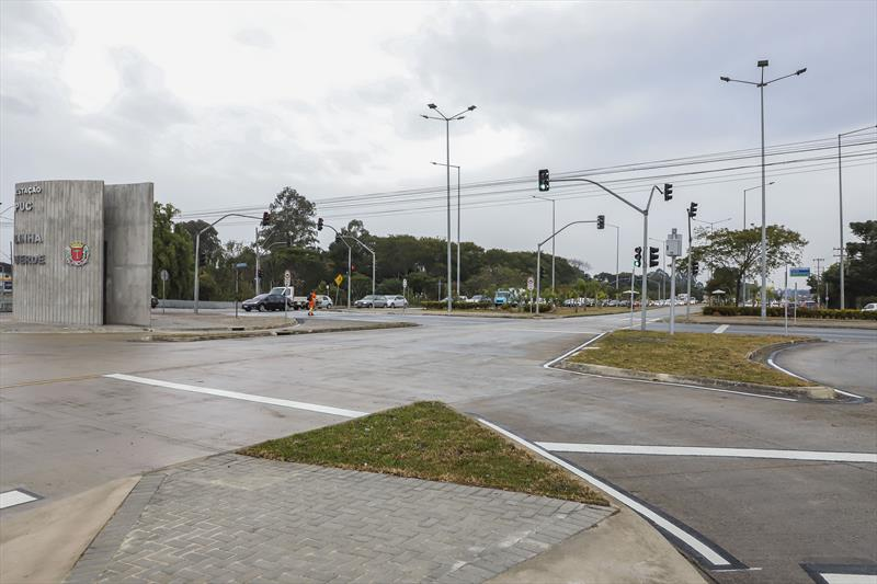Prefeito Rafael Greca, vistoria a nova Estação PUC-Linha Verde, localizado no encontro com a Rua Imaculada Conceição e com a Avenida Senador Salgado Filho. Curitiba, 01/06/2020. Foto: Hully Paiva/SMCS