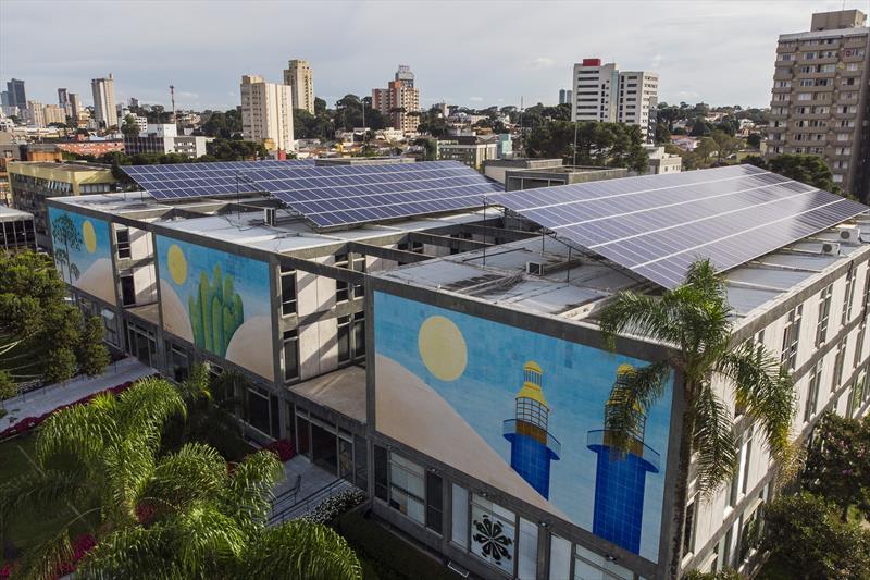 Com economia e energia limpa, painéis solares da prefeitura completam 1 ano.  Foto: Pedro Ribas/SMCS