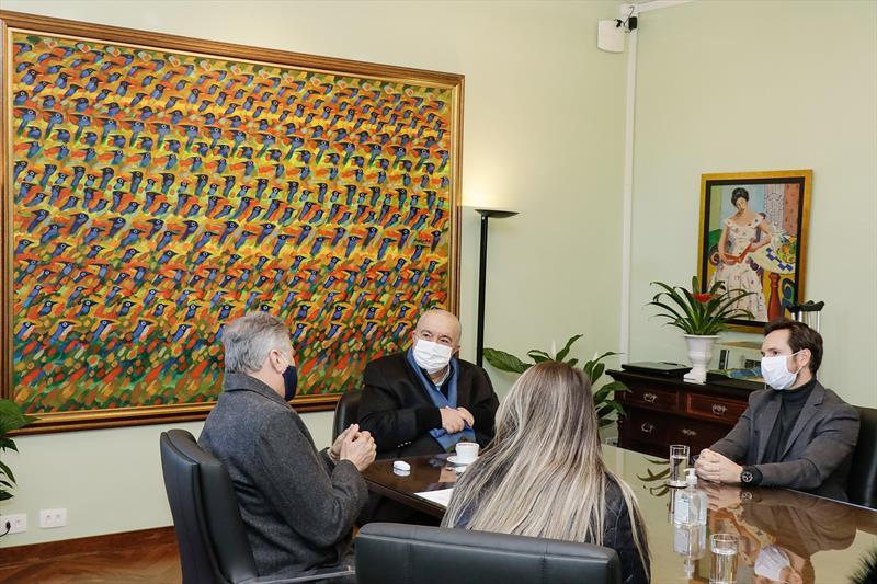 Prefeito Rafael Greca se reúne com representantes da Caixa Econômica Federal. Curitiba. 02/07/2020 Foto: Ricardo Marajó / SMCS