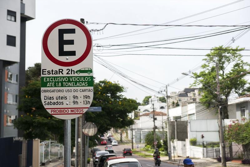 Urbs atende 11 mil motoristas para troca de talões de papel por créditos digitais. Foto: Valdecir Galor/SMCS (arquivo)