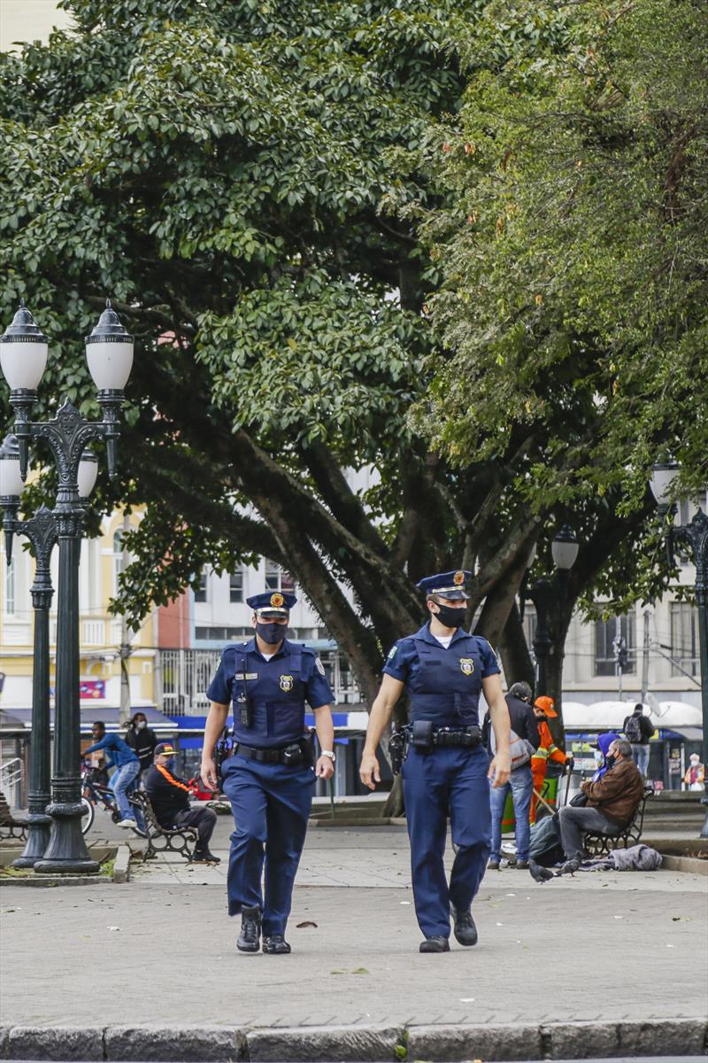 Equipe da Guarda Municipal faz ronda no Centro. Curitiba, 30/06/2020. Foto: Pedro Ribas/SMCS