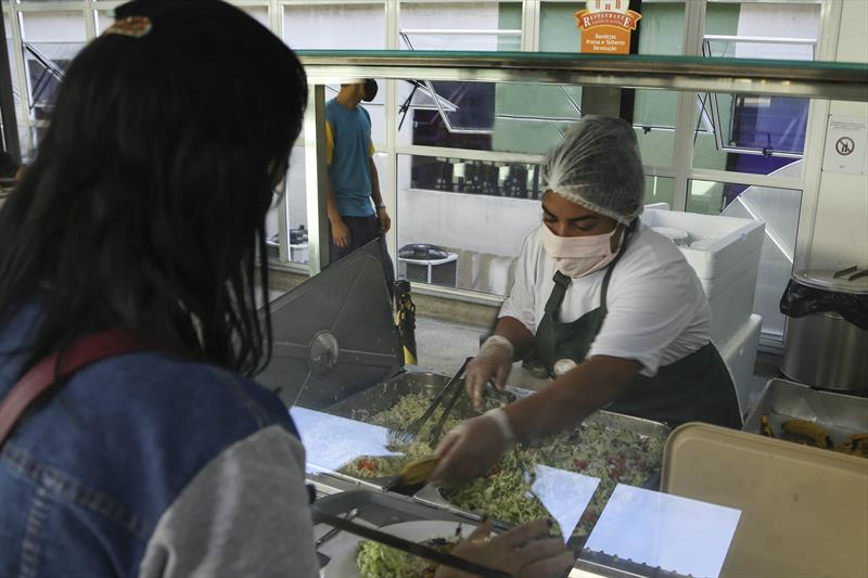 Restaurante popular da matriz permance aberto e também oferece marmitas. Curitiba, 13/07/2020. Foto: Luiz Costa /SMCS.