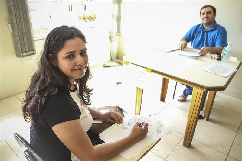 Contratação de 358 profissionais da Saúde, através de processo seletivo simplificado, sendo 140 enfermeiros e 218 técnicos de enfermagem em saúde pública. - Na imagem, Marciele da Silva Lima. Curitiba, 02/04/2020. Foto: Luiz Costa/ SMCS.