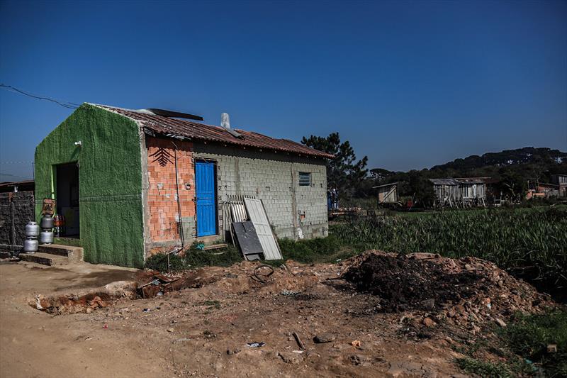 Vista da área da Vila 29 de Outubro as margens do Rio Barigui no Caximba - Curitiba, 24/07/2020 - Foto: Daniel Castellano / SMCS