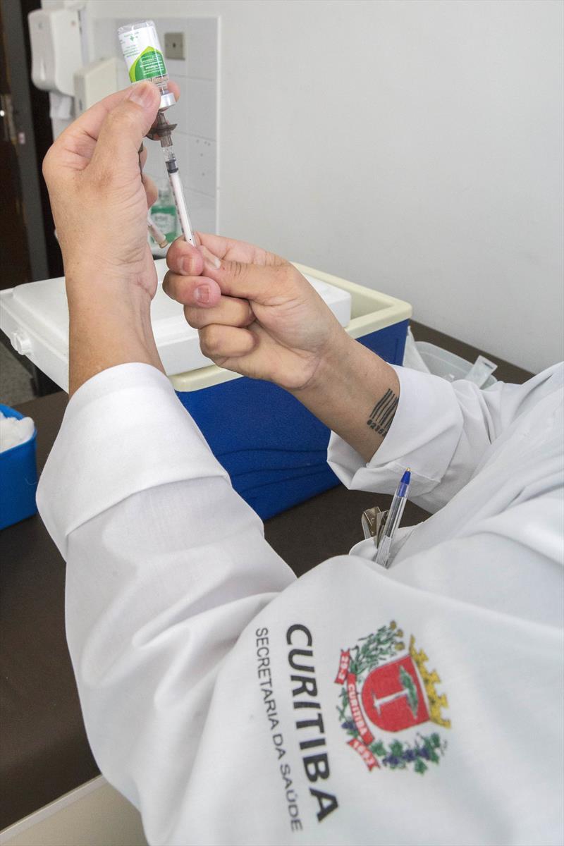 Saúde oferta doses remanescentes da vacina contra a gripe. Foto: Valdecir Galor/SMCS