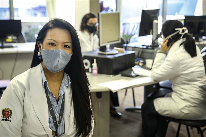 Beneficiários do ICS com sintomas do novo coronavírus têm atendimento médico por telefone.  - Na imagem, a médica Pricila Nishikawa. Foto: Luiz Costa /SMCS.
