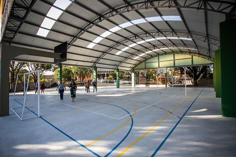Escola Municipal Cerro Azul no Tingui recebe nova quadra de esportes - Curitiba, 07/08/2020 - Foto: Daniel Castellano / SMCS
