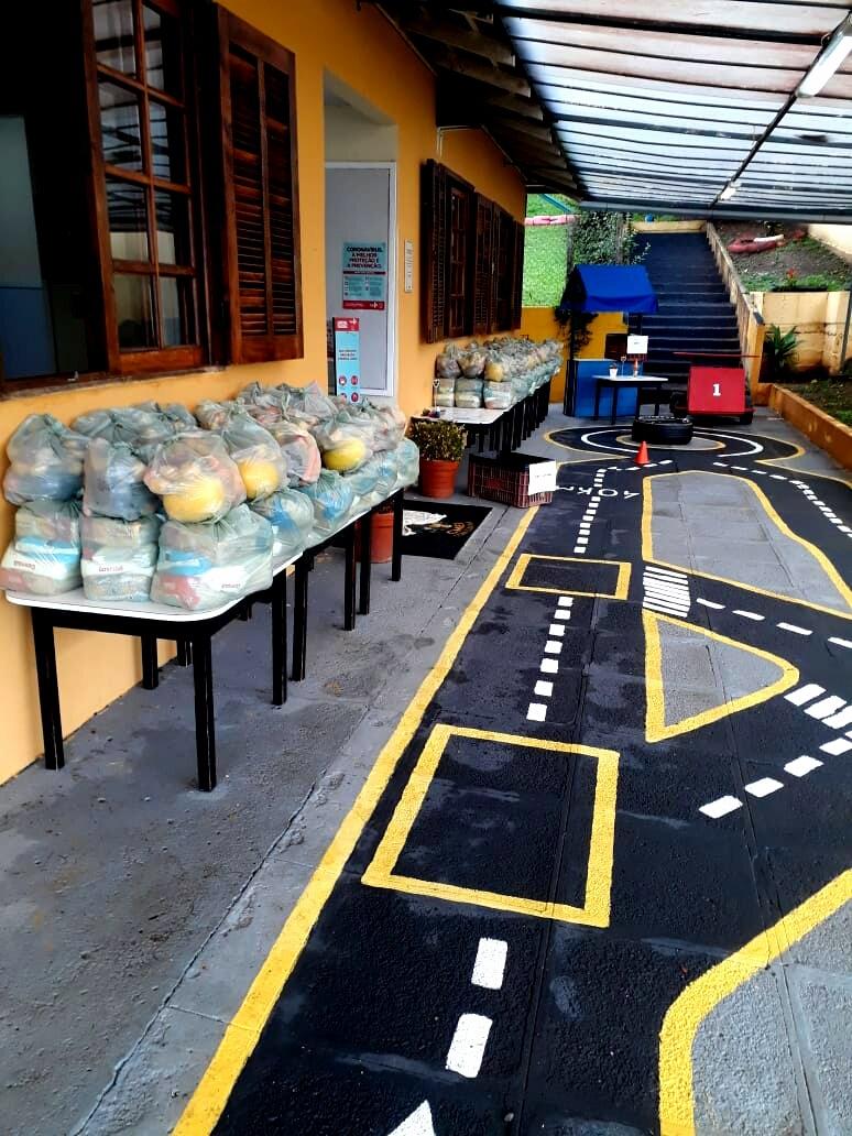 Fornecimento de kits de alimentação escolar.  Foto: Divulgação