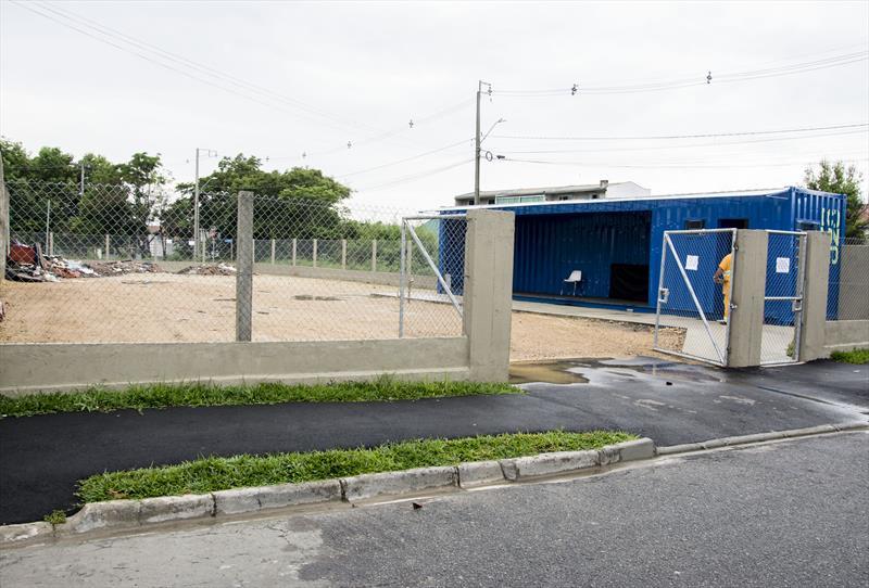 O primeiro Eco ponto da Regional Cajuru, na Rua Augusto Forbeck,  esquina com a Rua Neusa Vieira Bet, e a cancha esportiva.  Curitiba, 27/11/2020.  Foto: Levy Ferreira/SMCS