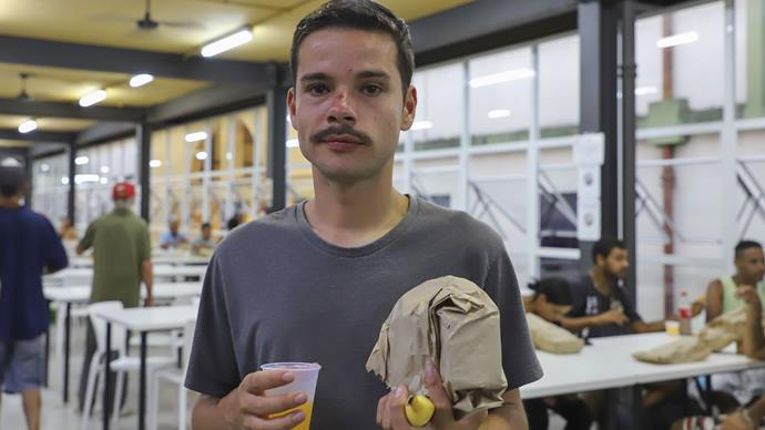 Mesa solidária no Restaurante da Matriz. Curitiba, 06/04/2020. Foto: Hully Paiva/SMCS