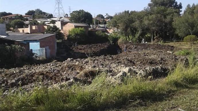 Limpeza e desassoreamento do canal na Rua Alda Basseti Bertoldi. Foto: Divulgação
