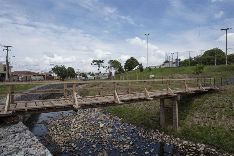 Prefeito Rafael Greca entrega bacias de contenção do Ribeirão dos Padilhas, Córrego Jardim Esmeralda. Curitiba. 08/01/2021. Foto: Ricardo Marajó/SMCS