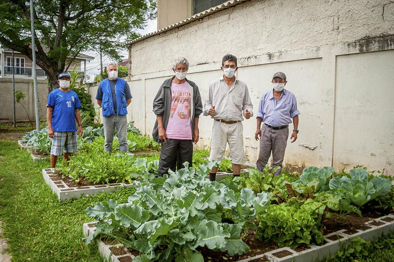 Horta faz integração e leva saúde para pessoas em situação de rua. Curitiba, 14/01/2021. Foto: Andre Wormsbecker