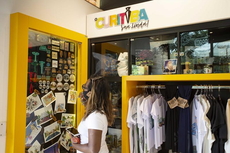 #CuritibaSuaLinda do Jardim Botânico faz um mês e conquista turistas. Curitiba, 15/01/2021. Foto: Ricardo Marajó/SMCS