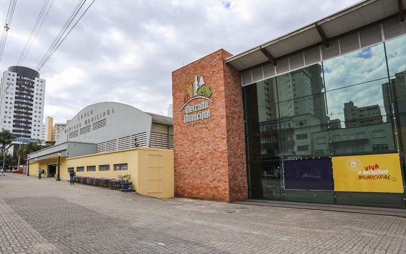 Mercado Municipal de Curitiba vai funcionar durante a vigência dos decretos municipal e estadual . Foto: Daniel Castellano / SMCS (Arquivo)