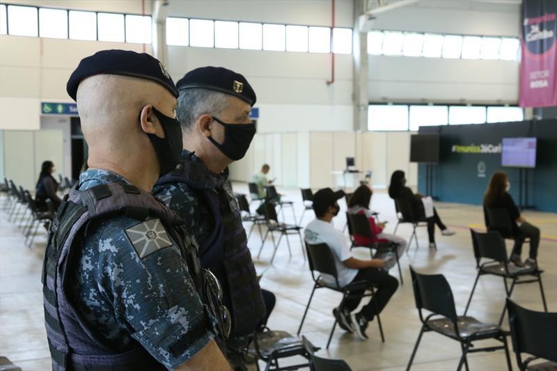 Guardas municipais recebem as primeiras doses de vacina. Curitiba, 06/03/2021. Foto: Luiz Costa/SMCS