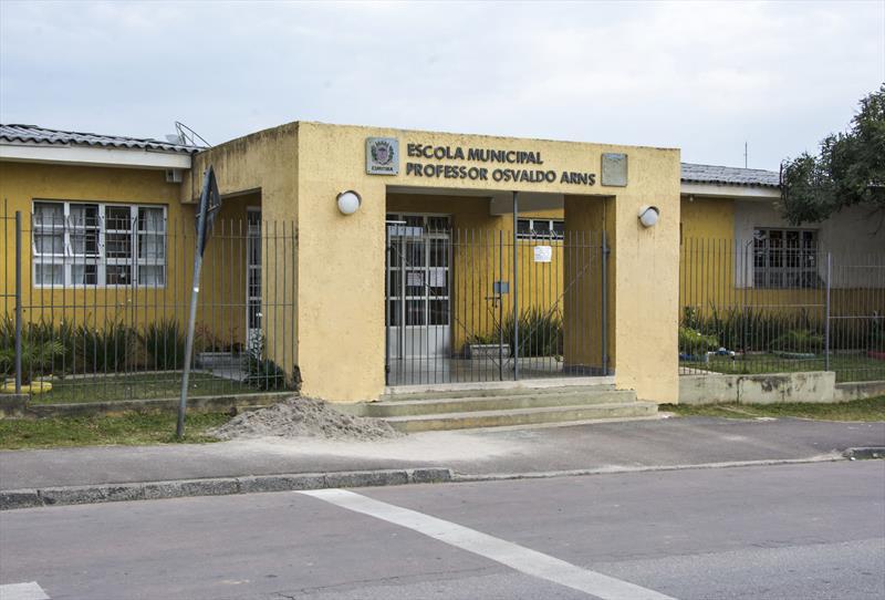 Rede municipal já recebeu mais de mil estudantes de escolas privadas.  - Na imagem, Escola Municipal Professor Osvaldo Arns, no Tatuquara. Foto: Levy Ferreira/SMCS