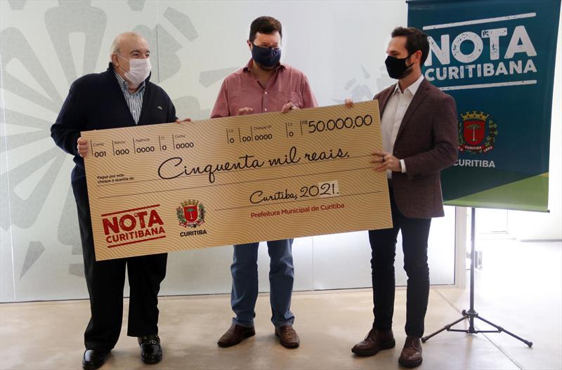 Entrega do prêmio Nota Curitibana para Alexandre Godoy Blume. Curitiba, 08/04/2021. Foto Lucilia Guimarães/SMCS