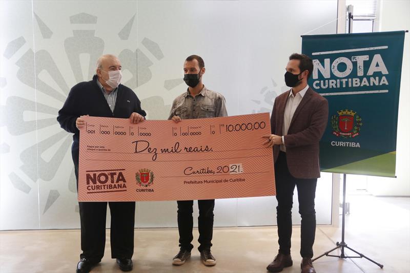Entrega do prêmio Nota Curitibana para Paulo Roberto de Almeida. Curitiba, 08/04/2021. Foto Lucilia Guimarães/SMCS