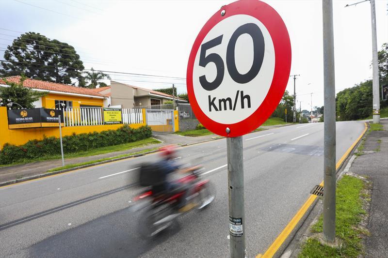 O limite de velocidade definido para as ruas da cidade leva em conta análises técnicas de equipes da Superintendência de Trânsito (Setran).  Foto: Daniel Castellano/SMCS (arquivo)