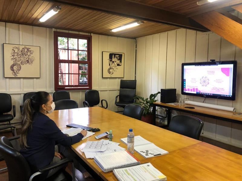 O Conselho da Cidade de Curitiba (Concitiba) apreciou e debateu o programa Empreendedora Curitibana, desenvolvido pelo Ecossistema de Inovação do Vale do Pinhão, em reunião do Plano Setorial de Desenvolvimento Econômico. Foto: Divulgação