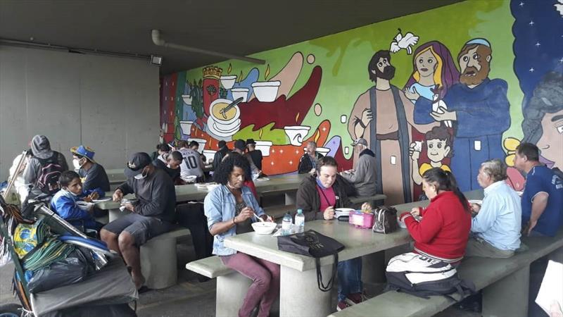 Mesa Solidária ultrapassa 300 mil refeições distribuídas.  Foto: Divulgação