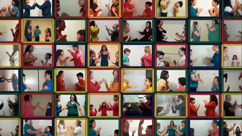 Famílias do MusicaR participam de vídeo em homenagem às mães. Foto: Divulgação