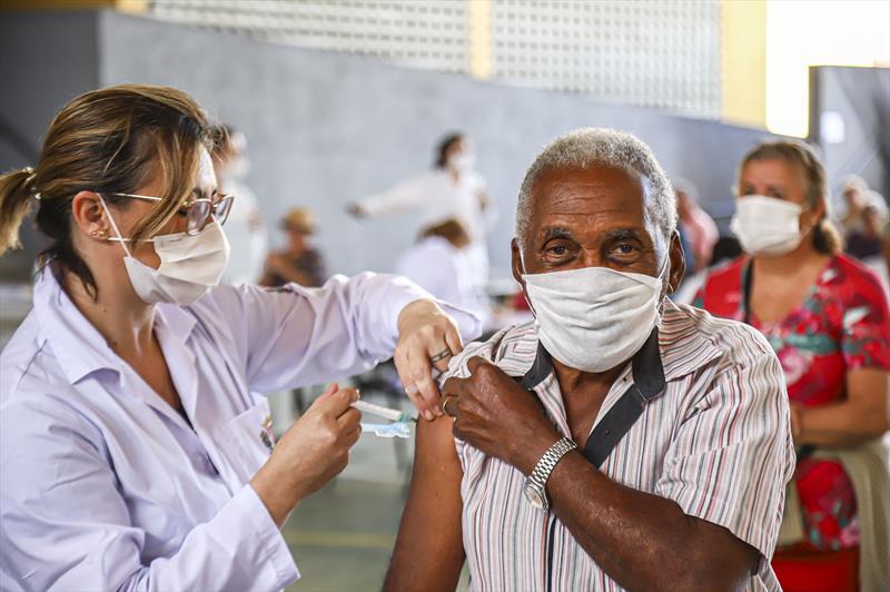 Campanha contra a gripe imuniza idosos entre 85 a 81 anos na próxima semana. - Foto: Daniel Castellano / SMCS