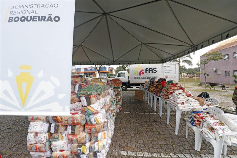 Doe Solidariedade arrecada 145 toneladas de alimentos e 36 mil peças de roupas. Curitiba, 06/05/2021. Foto: Lucilia Guimarães/SMCS