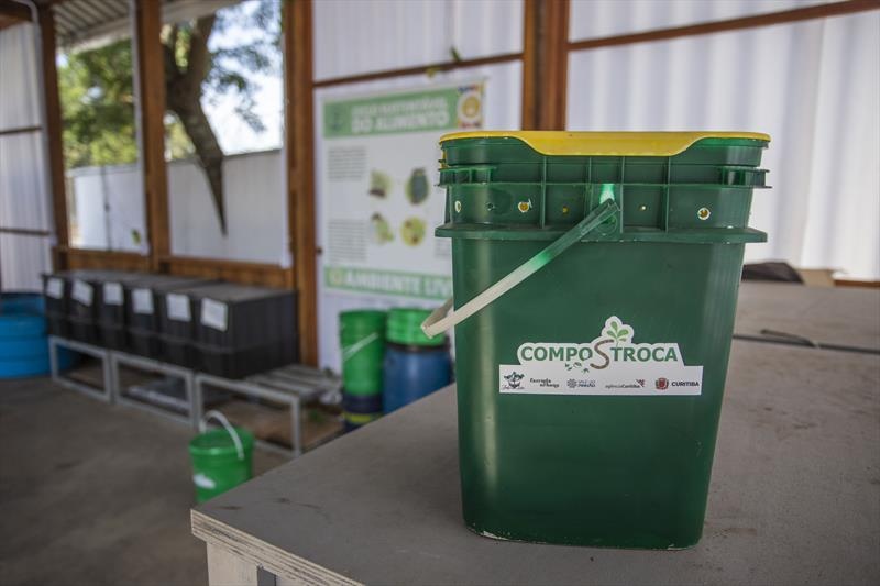 Programa Compostroca na Fazenda Urbana do Cajuru. Na imagem - Curitiba, 05/05/2021 - Foto: Daniel Castellano / SMCS