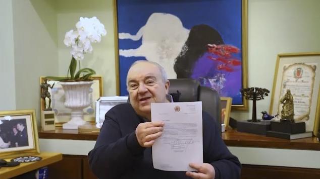No ofício enviado nesta segunda-feira (10/5), o prefeito Rafael Greca defende a troca de comorbidades por ampliação da faixa etária. Foto: Divulgação