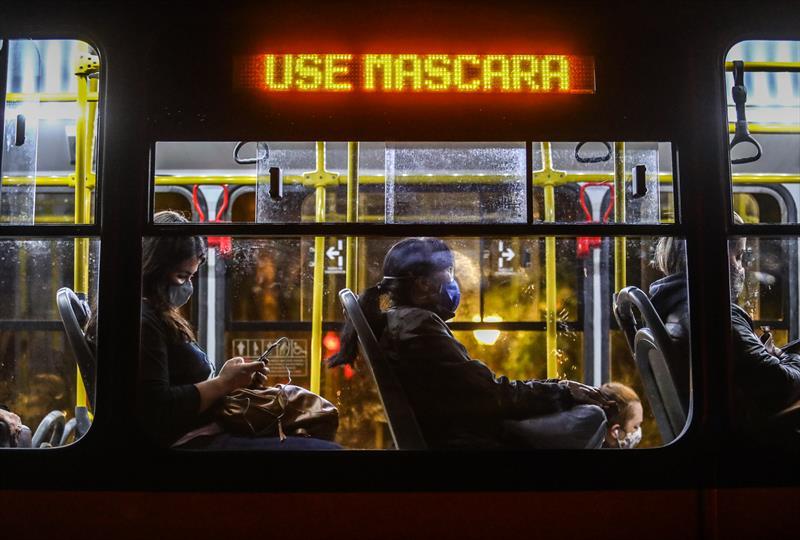 Ônibus não são focos de covid, aponta estudo . - Foto: Daniel Castellano / SMCS