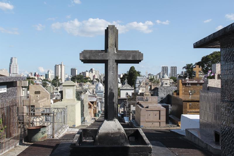 Cemitérios municipais fecham para visitação. Foto: Hully Paiva/SMCS