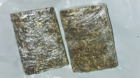 Maconha e cocaína, em oito oportunidades, foram encontrados jogados embaixo dos bancos do ônibus. Foto: Divulgação