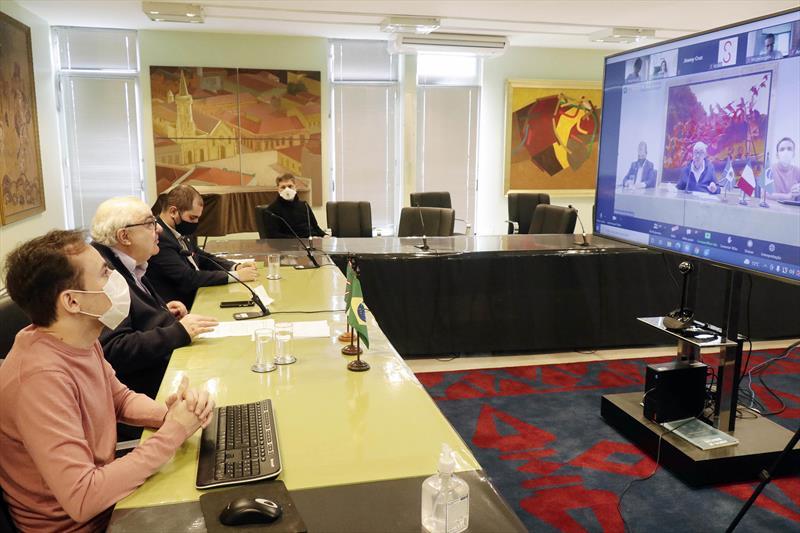 Prefeito Rafael Greca participa de videoconferência promovida pela Organização Internacional Ítalo-Latino Americana (IILA). Curitiba,23/06/2021.  Foto: Ricardo Marajó/SMCS
