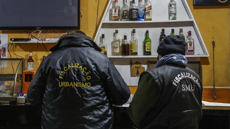 Ação Integrada de Fiscalização Urbana (AIFU), percorre estabelecimentos da cidade. Foto: Pedro Ribas/SMCS