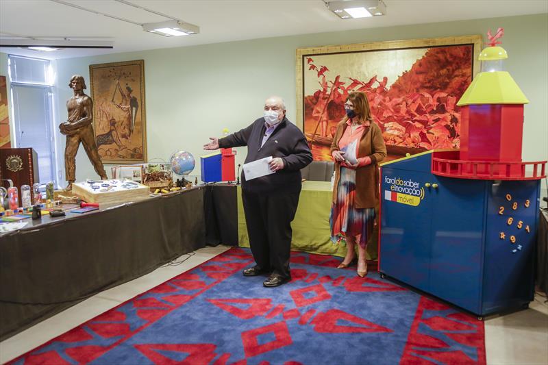 Prefeito Rafael Greca lança com a secretária da Educação, Maria Silvia Bacila, o Farol do Saber e Inovação Móvel. Curitiba, 26/07/2021. Foto: Pedro Ribas/SMCS