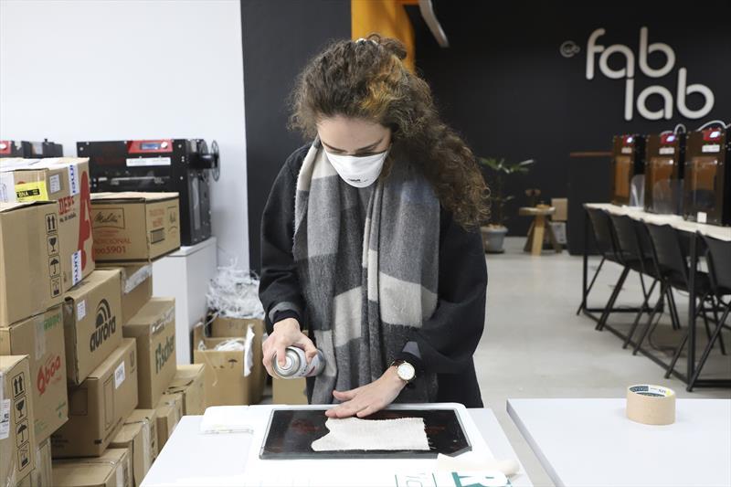Fab Lab ultrapassa limites de Curitiba e apoia projeto de moda sustentável. Curitiba, 05/07/2021.  Foto: Hully Paiva/SMCS