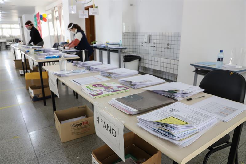 Educação já entregou 2,5 milhões de kits pedagógicos desde o início da pandemia. Foto: Hully Paiva/SMCS