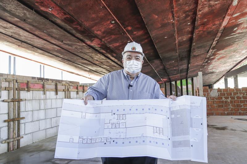 Prefeito Rafael Greca vistoria as obras de construção do Armazém da Família Capanema. Curitiba, 19/08/2021. Foto: Pedro Ribas/SMCS