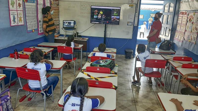 Visita virtual da EPTran em escola de Macaé (RJ). Foto: Divulgalção