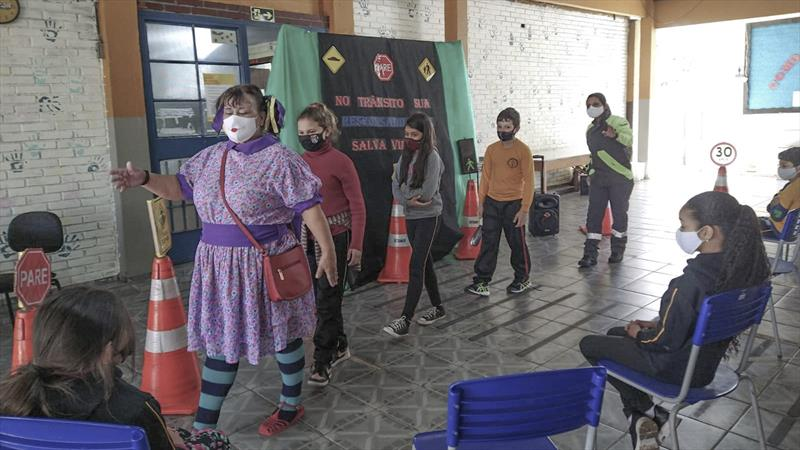 EPTran faz, nesta quinta-feira (23/9), primeira atividade presencial em uma escola de Curitiba após a pandemia. Foto: Divulgação