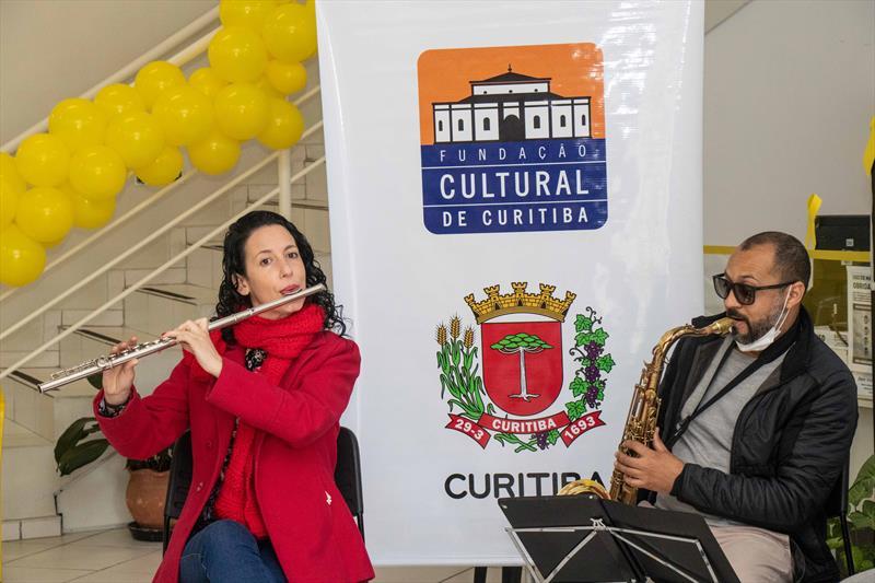 """Manhã musical com o grupo """"É No Choro que Eu Vou"""", encerra Setembro Amarelo na Regional da CIC. Curitiba 24/09/ 2021. Foto: Ricardo Marajó/SMCS"""