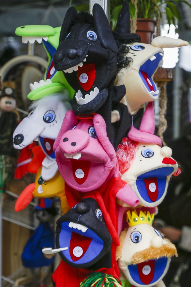 Brinquedos que podem ser encontrados na Feira da Primavera e da Criança na Praça Osório, no Centro. Curitiba, 05/10/2021. Foto: Pedro Ribas/SMCS
