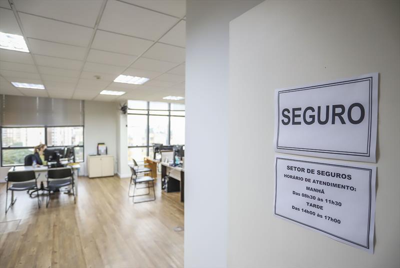 Atendimento do setor de Seguros do IMAP no Edifício Delta - Curitiba, 10/06/2021 - Foto: Daniel Castellano / SMCS