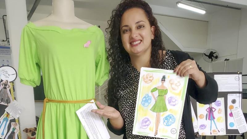 Uma criação da designer de moda Juliana da Silva Pedro é a atração que pode ser vista, até o fim de outubro, no hall de entrada da Administração Regional da CIC. Foto: Divulgação